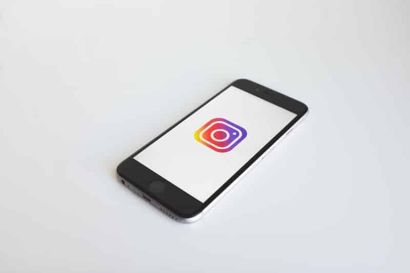 celular com instagram